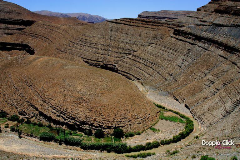 La Foresta dei Cedri e la Ziz Valley, entrambe ingoiano i viaggiatori