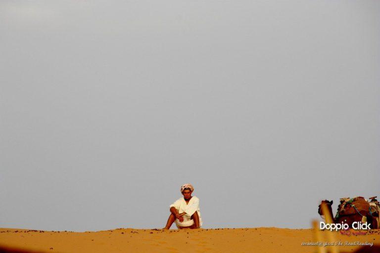 Il Sahara delle tende berbere e dei Tuareg Blu