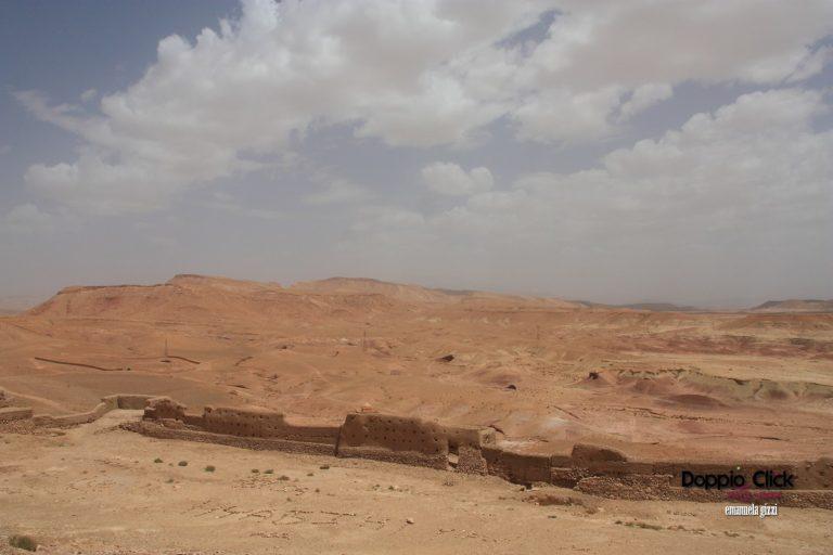 Ait Ben Haddou, un meraviglioso paesaggio tra l'orizzonte di sabbia e le nuvole