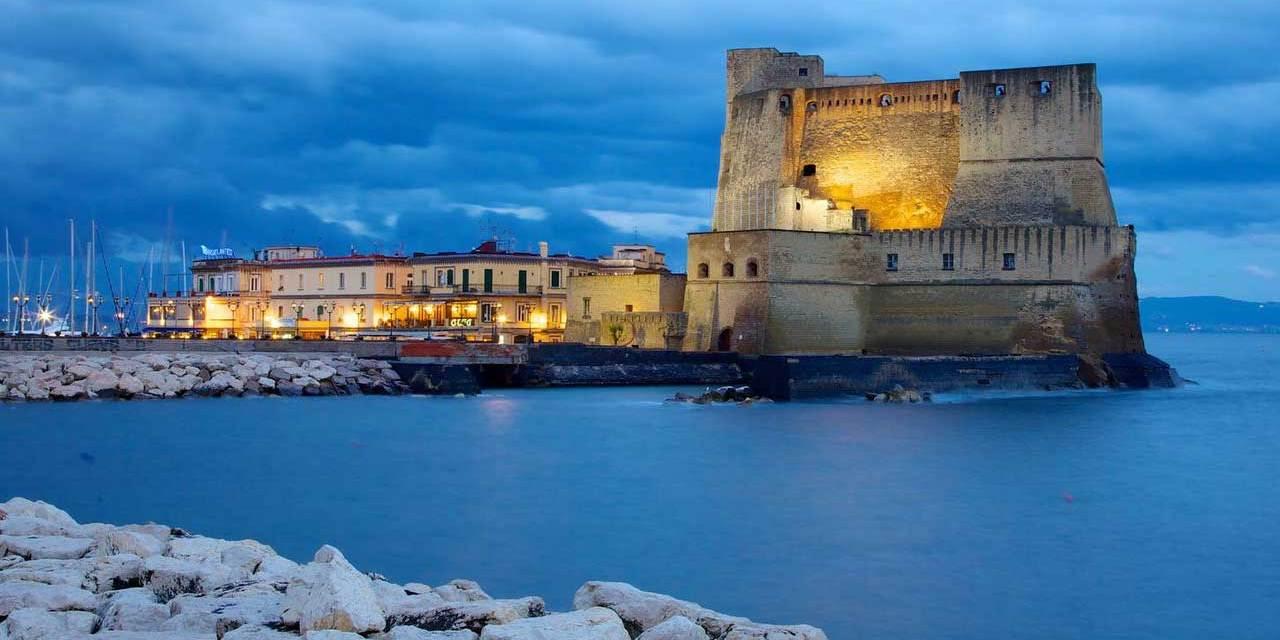 Risultati immagini per Castillo dell'Ovo de Napoles