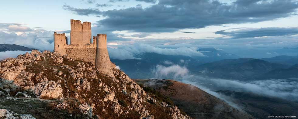 Rocca Calascio, in Abruzzo la magia di un gioiello medioevale set del film Ladyhawke