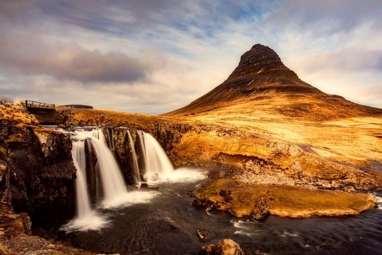 Sai qual è la montagna più fotografata dell'Islanda? Scopri tutto sul monte Kirkjufell