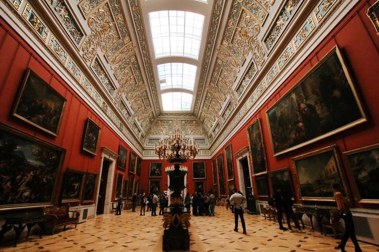 Tour virtuali e collezioni online: 10 musei da visitare da casa